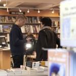 Bjørn Andre Widvey og TVHaugaland var på plass under forfattarfrokosten på Haugeusnd LIbris.